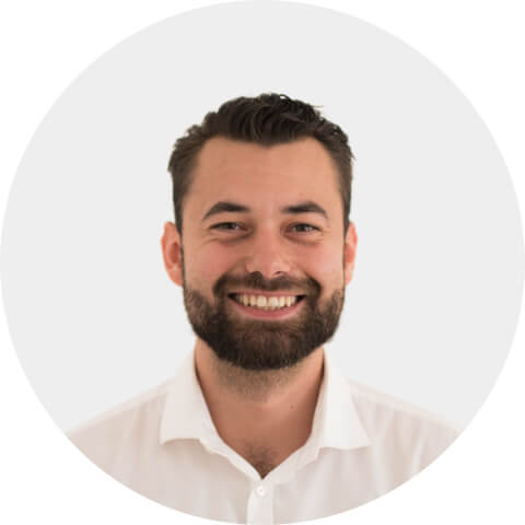 Mortgage expert from LoanLink24, an online home loan broker in Germany